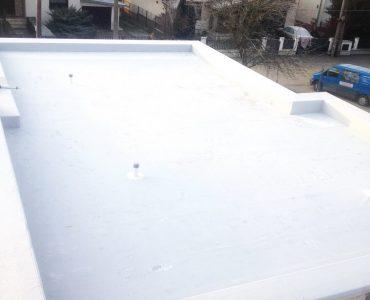 Izolácia strechy – RD Lackovce, mPVC