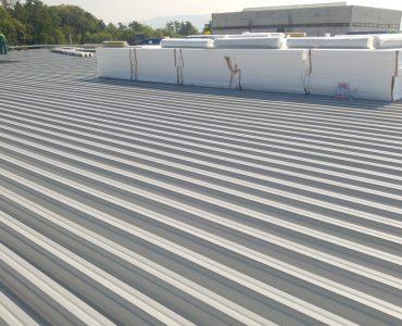 Izolácia strechy – Výrobná hala Sobrance, mPVC